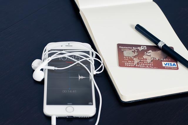 nakupovat se dá i přes mobil