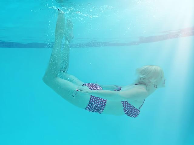 puntíky pod vodou