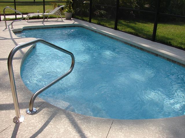 Obyčejné Savo postačí k čisté vodě v bazénu