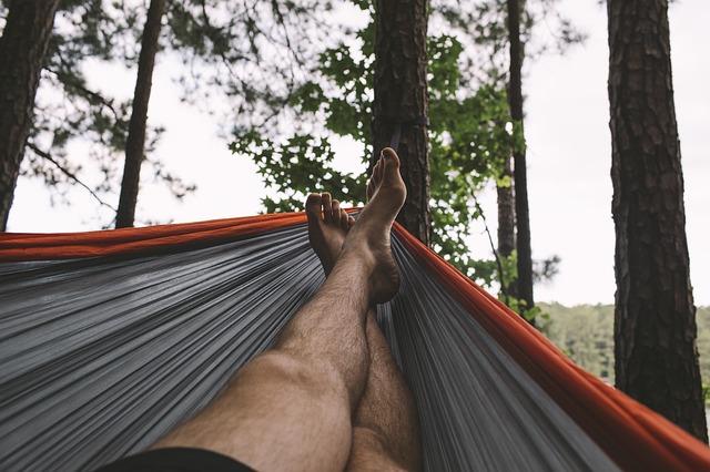 Nohy, houpací síť, příroda